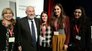 Con le mie stagiste e il Premio Nobel per l'economia Joseph Stiglitz al Lantern Fund Forum di Lugano nel 2016