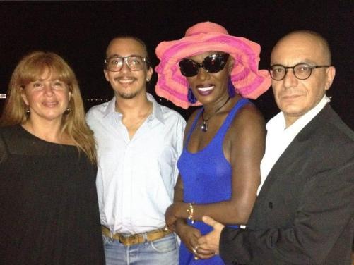 Con la cantante pop Grace Jones e gli amici Nicholas e Maurice nel 2013